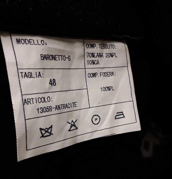 étiquette manteau Yves St Laurent